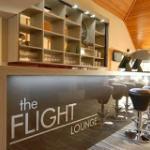 Foto de Flight Lounge Restaurant and Bar