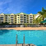 Pool & Hotel Exterior