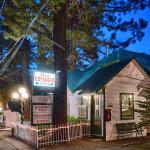 Doc's Cottages • South Lake Tahoe, CA • Stateline, NV