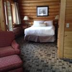 Clean cozy cabin