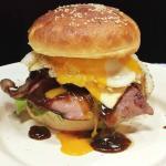 """Let's try """" MERICA BURGER : Bacon, Ham, Egg """""""
