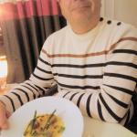 Carpaccio de navet « boule d'or » à l'huile de noisette, bonbons de foie gras et asperges de Per
