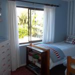 'Surfs Up'-childrens room-2xsingle beds-