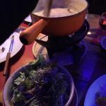 La fondue... Et la salade avec la délicieuse vinaigrette au vinaigre balsamique!