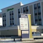 Outside building and signs Holiday Inn Winnipeg Airport - Polo Park  |  1740 Ellice Avenue, Winn