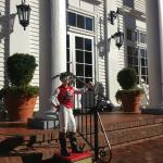 Entry detail with lawn jockey