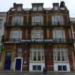 Keppels Head Hotel exterior