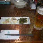 定食の珍味と生ビール
