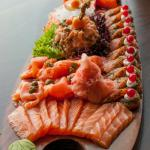 Signature item: The Royal Platter (for 4-6 persons)