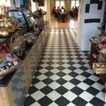 Bowe's Foodhall & Cafe