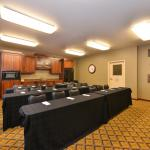 Candlewood Suites Bloomington-Normal Foto