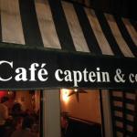 Cafe Captein & Co signage