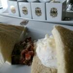 Bendicit Eggs @asma_alsuwaidiuae