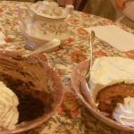Gâteau au chocolat et marron Gâteau a la praline et crème pâtissière à la vanille bourbon