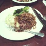 Chopped Sirloin, Garlic Whipped Mashed Potatoes, Steamed Broccoli