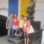 Di depan hotel Amaris