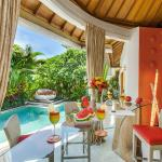 Villa Sun-Stylish poolside dining