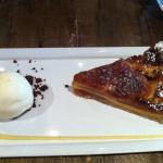 Dessert: Apple pie and icecream