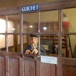 Bahnhofsschalter im Museum