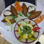 Keppe poulet et falafel et hommos