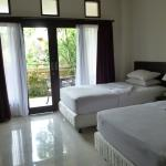 Twin room - new kingsize single beds - perfectly clean