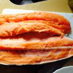 Strange stench that was not fresh fish at all. Clearly not fresh salmon. Meat falling apart. Wou