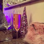 Sparkling rose - love the xmas decorations!