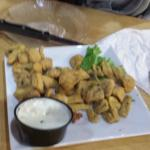 Fried mushrooms with dips