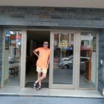En la puerta del Hotel