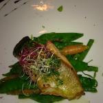 Saumon et ses légumes croquants assaisonnés