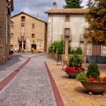 Cal Penyora en el centro de el precioso pueblo de Santa Eulàlia de Puig-Oriol