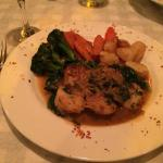 Sea Scallops on a bed of spinach with carrots, broccoli and potatoes