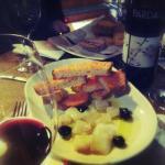 Un sopar de tapes i bon vi