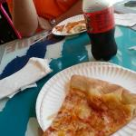 Gusto's Pizza & Subs Foto