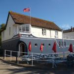 The Pilot Boat Inn is on the edge of Bembridge Harbour with five ensuite shower rooms