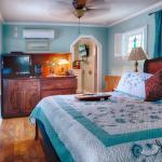 Garden Hideaway - bedroom - king bed