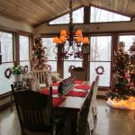 Dining room with Christmas decorations