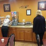 Photo de GuestHouse Inn & Suites Albuquerque