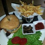 Kiwi Mushroom Bacon & Swiss Burger
