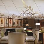 Melounge Lobby Lounge