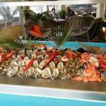 Buffet fruits de mer à volonté et coquillages gratinés à la demande à volonté aussi..��