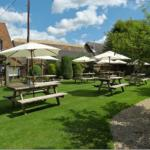 The Plough at East Hendred resmi
