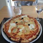 8€ ???? C'est cadeau ! Excellente pizza !