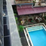 Pool and breakfast area