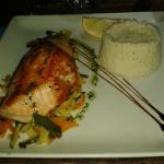 Saumon, riz et petits légumes