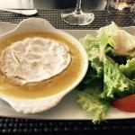 Demi camembert au four (entrée du menu à 16€)
