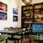 Cafe Monsieur (North Bund shop) Foto