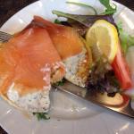 Blinis de saumon et sa crème à l'aneth