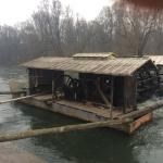 Nice place, nice people's, nice river. The best bred for my breakfasts is ho made prepared from