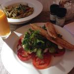 Photo de Garden Lounge in the Vineyard Hotel